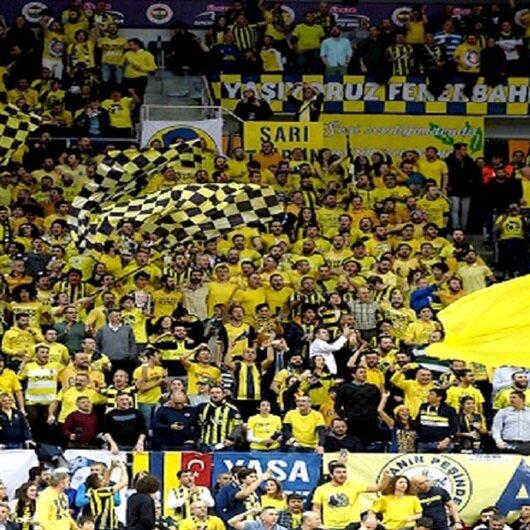 Fenerbahçelilerin tezahüratına Sırplar da eşlik etti