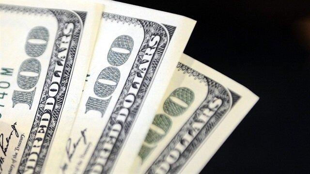 Doların başlıca altı para birimi karşısındaki seyrini izleyen dolar endeksi 93.467 ile bu hafta başında gördüğü beş ayın zirvesi olan 93.632'ye yakın seyrediyor.