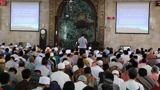 Endonezya'da İslam araştırılıyor.