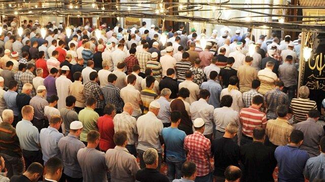 Cuma namazı bu haftada büyük bir katılımla kılınacak.