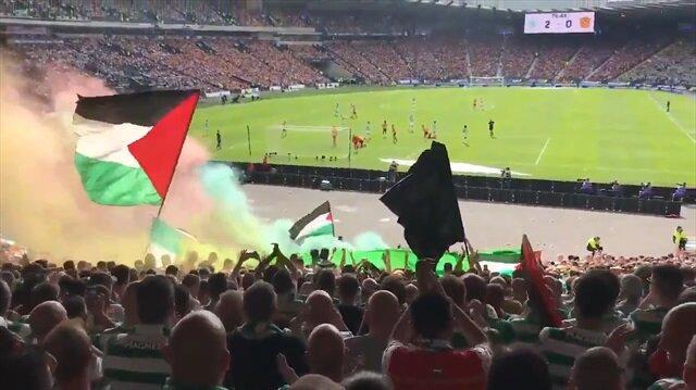 Celtic taraftarı Gazze katliamını tribünde protesto etti