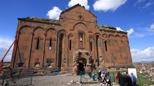 """""""آني"""" التركية.. أطلال مدينة الألف كنيسة وكنيسة"""