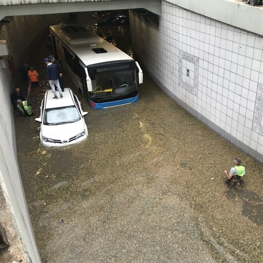 Ankara'yı dolu<br>ve sel vurdu