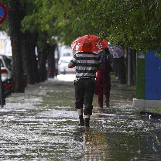 Yozgat'ta sağanak yağış hayatı olumsuz etkiledi