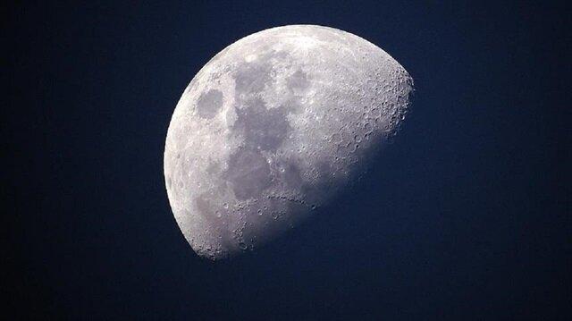 Ay'ın karanlık yüzü için uydu gönderdi