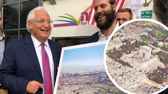 ABD'nin İsrail büyükelçisinden skandal işgal pozu