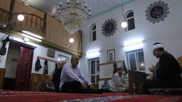 68 yıldır hatimli teravih kılınan cami