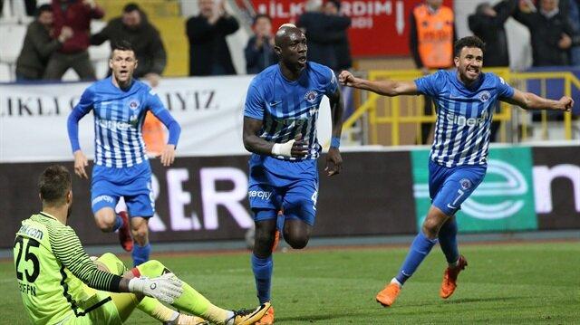 Trabzon forması giydi!