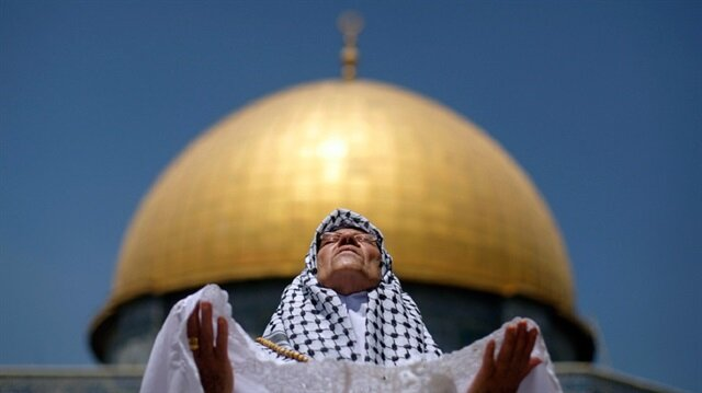 200 ألف مصلّ يؤدون صلاة الجمعة الثانية من رمضان بالأقصى