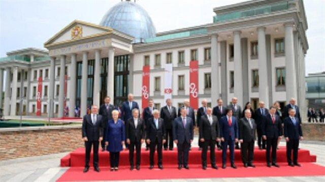 وزير الدفاع التركي يشارك باحتفالات تأسيس جورجيا