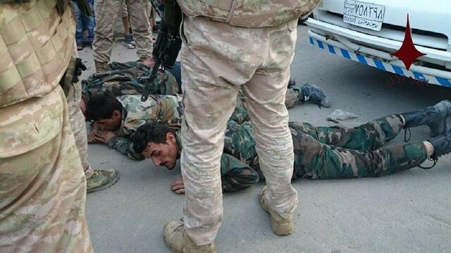 Esed güçleri Rus askerleri tarafından gözaltına aldı