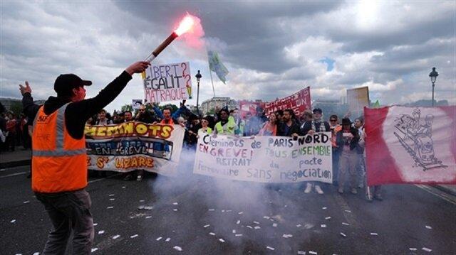 Fransa'daki gösterilerde 7 polis yaralandı