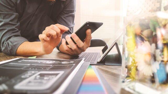 Turkcell, kendi işini yapan girişimcilere işlerini kesintisiz ve mobil olarak yapmaları için sürekli dijital destek veriyor.