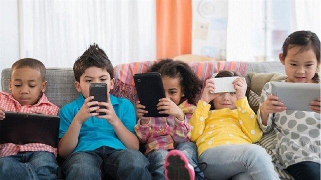 مواقع التواصل الاجتماعي تشجع الأطفال على تناول الوجبات السريعة