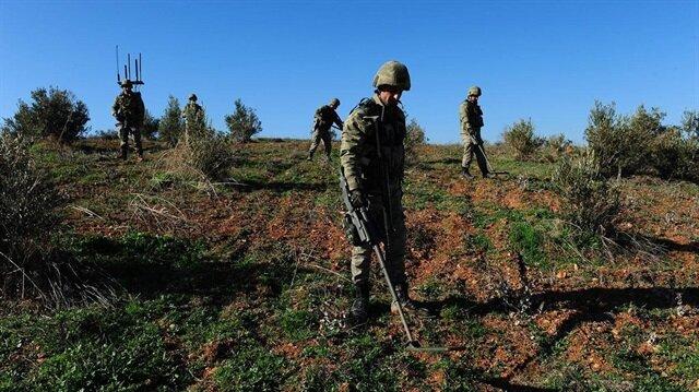 Hakkari'de teröristlere ait telsiz ele geçirildi