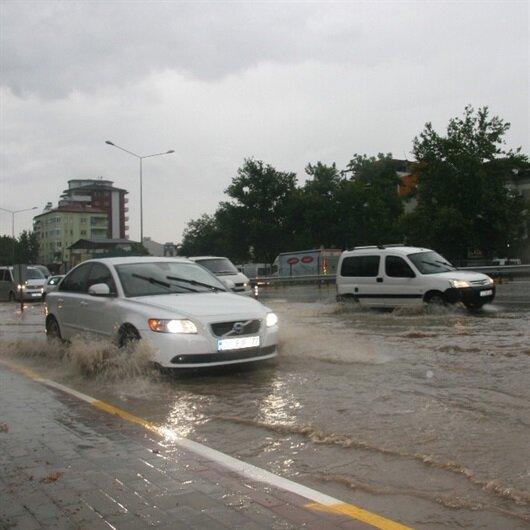 Denizli'de kuvvetli yağış etkili oldu
