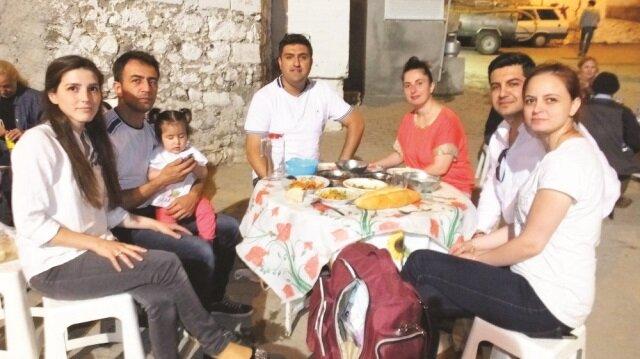 Balıkesir'de mahalle iftarları devam ediyor