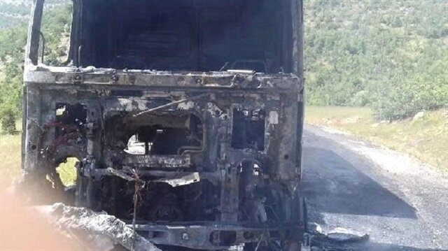 Teröristler karakola erzak götüren kamyon yaktı