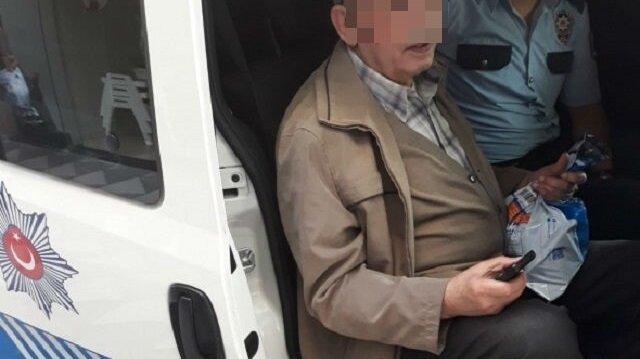 Polisin dikkati yaşlı adamı dolandırılmaktan son anda kurtardı.
