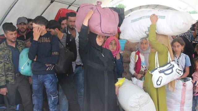 Suriyeliler Kilis Öncüpınar Sınır Kapısı, Hatay'ın  Cilvegözü Sınır Kapısı ile Gaziantep Karkamış Sınır Kapısı üzerinden ülkelerine gidiyor.
