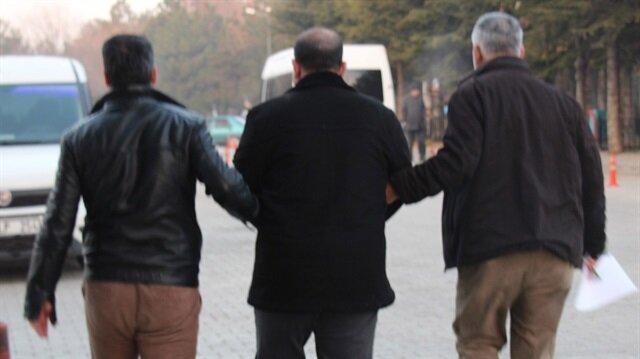 FETÖ sanığı eski binbaşı ve eşi Irak'a kaçarken yakalandı