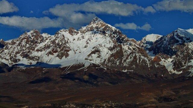 Niğde'deki Demirkazık Dağı