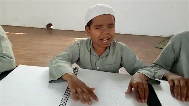 Görme engelli çocuklardan muhteşem Kur'an tilaveti