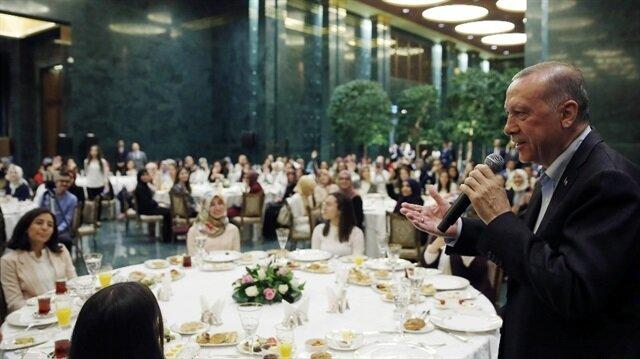 Gençler istedi, Erdoğan'ın talimatı verdiği an salonu kahkahaya boğdu