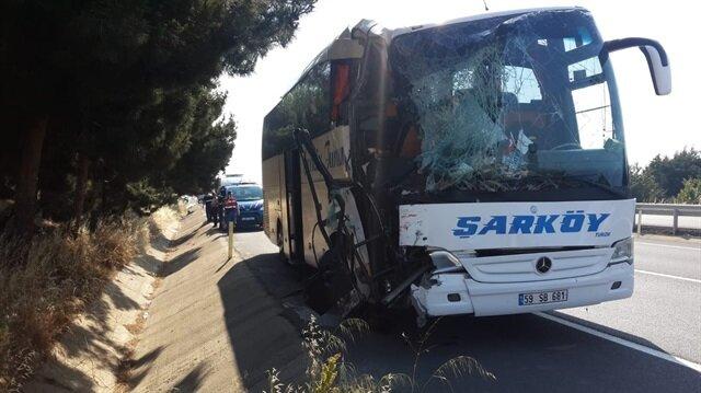 Yolcu otobüsü ile tanker çarpıştı