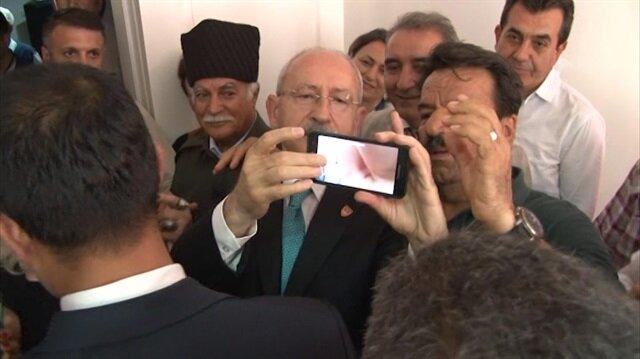 Kılıçdaroğlu'nun ilginç selfie çekme mücadelesi