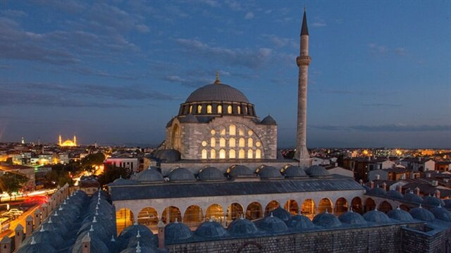 Ezelden iki İstanbullu