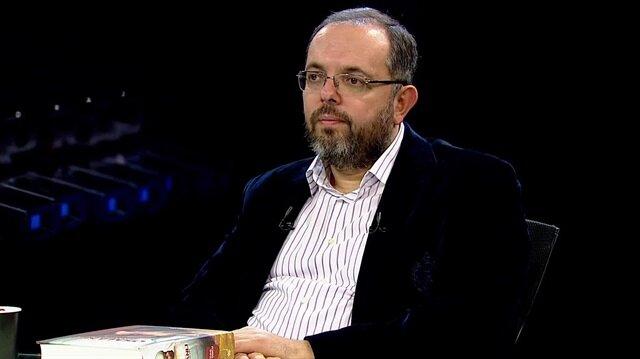 Erhan Afyoncu.
