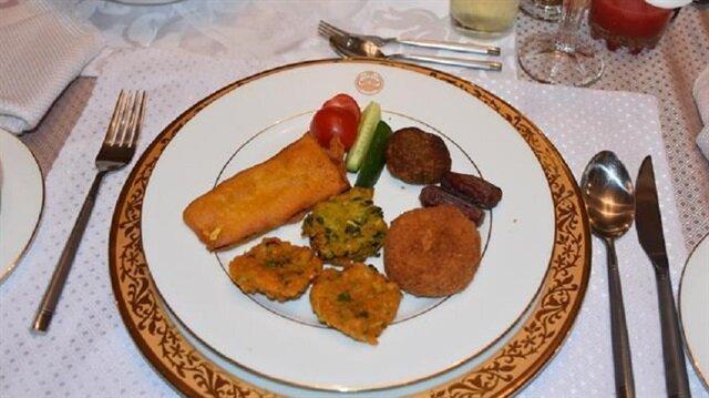 Ankara'da Bangladeş iftar sofrası