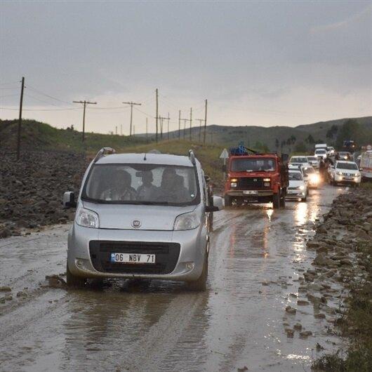 Muş'ta şiddetli yağış yaşamı olumsuz etkiledi