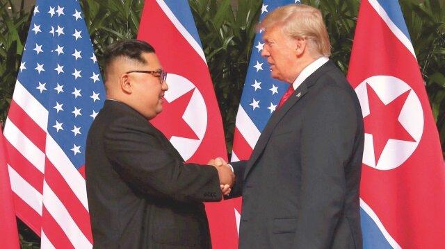 Trump-Kim zirvesi geçmişe çizgi çekilen bir uzlaşmayla sona erdi.