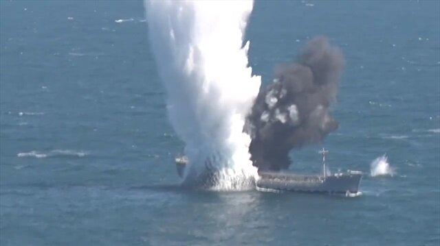 TCG YILDIRAY denizaltısı, hedefi on ikiden vurarak suya gömdü