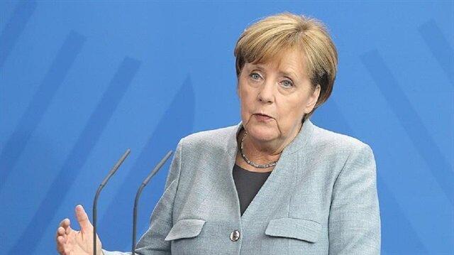 ميركل: أوروبا في موقف صعب..