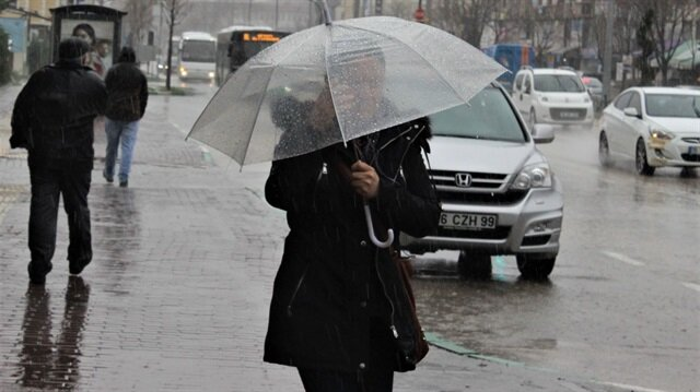 Meteoroloji, sağanak yağış uyarısında bulundu.