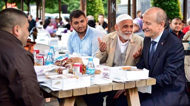 Fatih Belediye Başkanı Fatih Suver, Ramazan boyunca vatandaşlarla bir aradaydı.