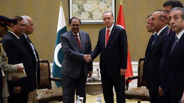Cumhurbaşkanı Erdoğan ile Pakistanlı mevkidaşı Memnun Hüseyin. Arşiv.