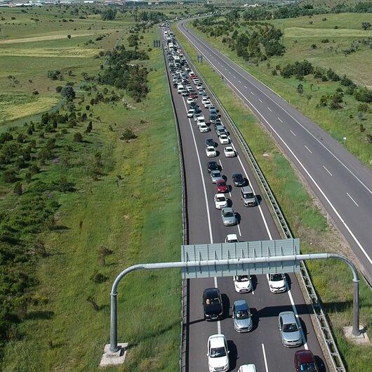 Otoyolda bayram trafiği yoğunluğu devam ediyor