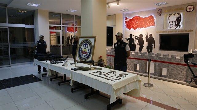 PKK'lı 5 terörist silahlarıyla birlikte yakalandı.
