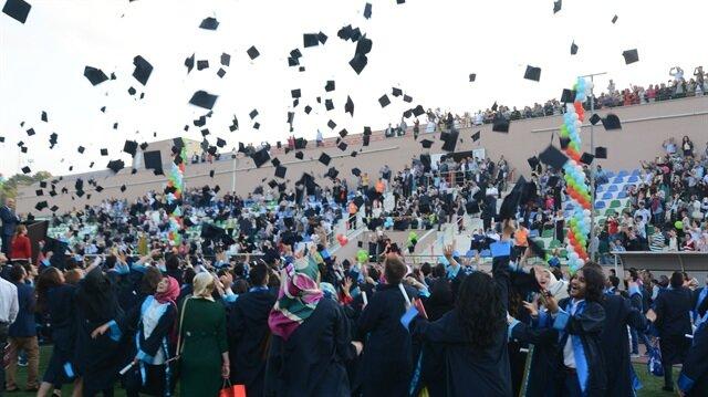 2023'e kadar Türkiye'deki bütün üniversitelerdeki 18-25 yaş arasındaki öğrenciler ilk kez sigorta sistemine dâhil edilmiş olacak.