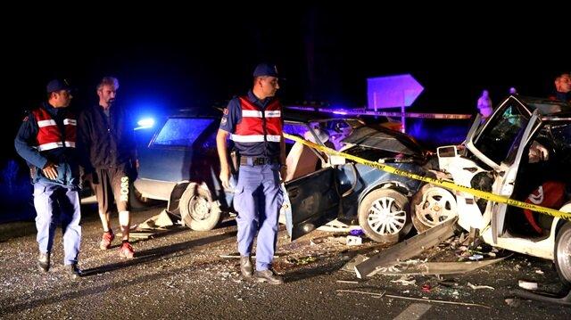 Nevşehir'de meydana gelen zincirleme trafik kazasında 3'ü çocuk 16 kişi yaralandı.