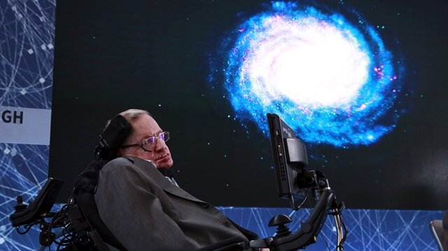 Stephen Hawking's voice to beamed into space at final send-off