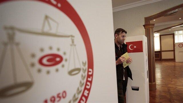الأتراك في روسيا وبلغاريا وبريطانيا يصوتون بالانتخابات البرلمانية والرئاسية