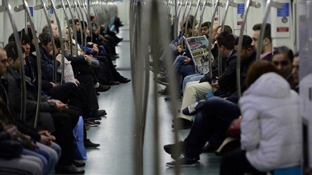 Elektrik kesintisi metro seferlerini aksattı