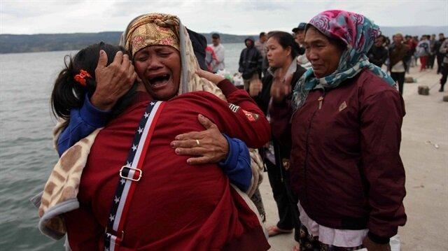 Endonezya'da feribot battı: 62 kişi kayıp