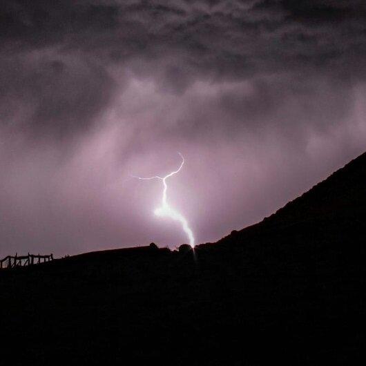 Meteorolojiden sağanak ve yıldırım uyarısı