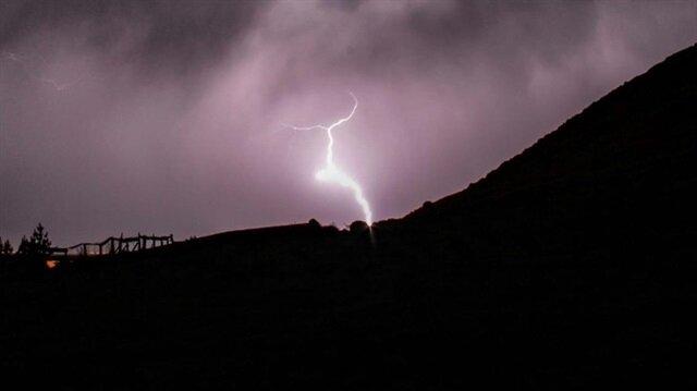 Meteorolojiden yıldırım uyarısı yapıldı.